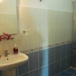 6635125_stabathroom